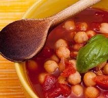 Zupa z ciecierzycy z rozmarynem: przepis na rozgrzewające danie