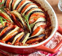Ratatuja zapiekana: przepis na warzywną zapiekankę