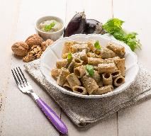 Makaron żytni z bakłażanem z menu beszamel
