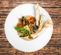 Mule w sosie serowo-pomidorowym, czyli jak przyrządzić romantyczną kolację