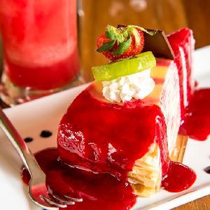 Tort naleśnikowy z truskawkami - wspaniały deser dla kinder party i nie tylko