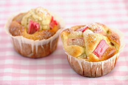 Muffinki z rabarbarem: podajemy łatwy przepis