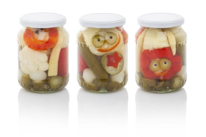 Pikle z kalafiorem, ogórkiem, marchewką i papryką - ciekawe przetwory na zimę