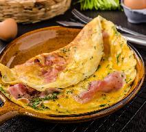 Omlet z szynką, cebulą i natką pietruszki [GALERIA ZDJĘĆ]