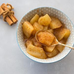 Jabłka pieczone w piekarniku z cynamonem - przepis na najprostszy deser