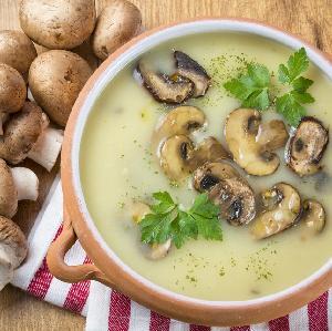 Zupa pieczarkowa: przepis babci na najlepszą zupę