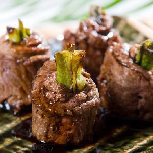 Zrazy wołowe nadziewane młodą cebulą - pyszne i efektowne danie