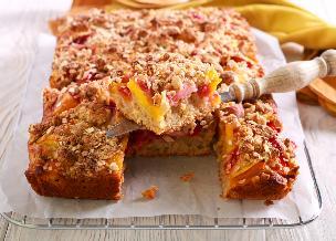 Ciasto owsiane z mlekiem, miodem i owocami - zdrowa dawka słodyczy