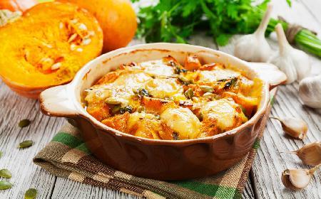 Zapiekanka z dyni z fasolą i mięsem - zdrowe i sycące danie