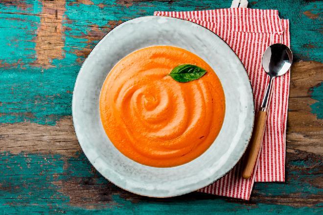 Łagodny krem z warzyw z menu beszamel