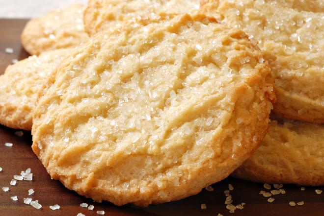 Kruche ciasteczka na kefirze: przepis na domowe wypieki