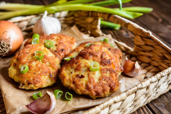 Genialne placki ziemniaczane z mięsem mielonym i cukinią