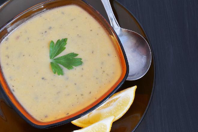 Zupa kminkowa z lanymi kluskami
