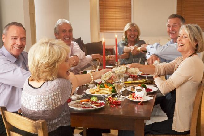 Dobór gości na domowe przyjęcie: jak zorganizować udaną biesiadę?