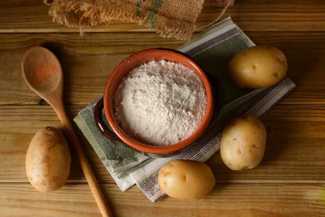 Mąka ziemniaczana: wartość odżywcza, właściwości i zastosowanie w kuchni
